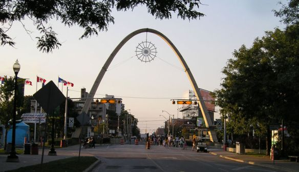 Photo credit: Captmondo, Wikimedia Commons, CNE Dufferin Gate, Toronto 2005